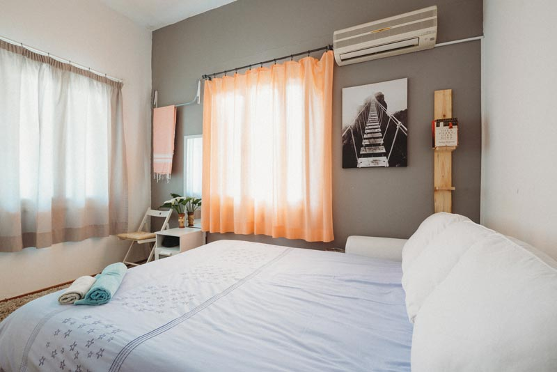 What is Airbnb? Airbnb pros and cons